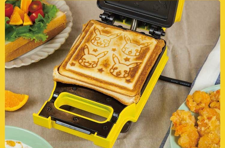 Diseño de pan tostado con la cara de Pikachu, el Pokémon más famoso de la saga.